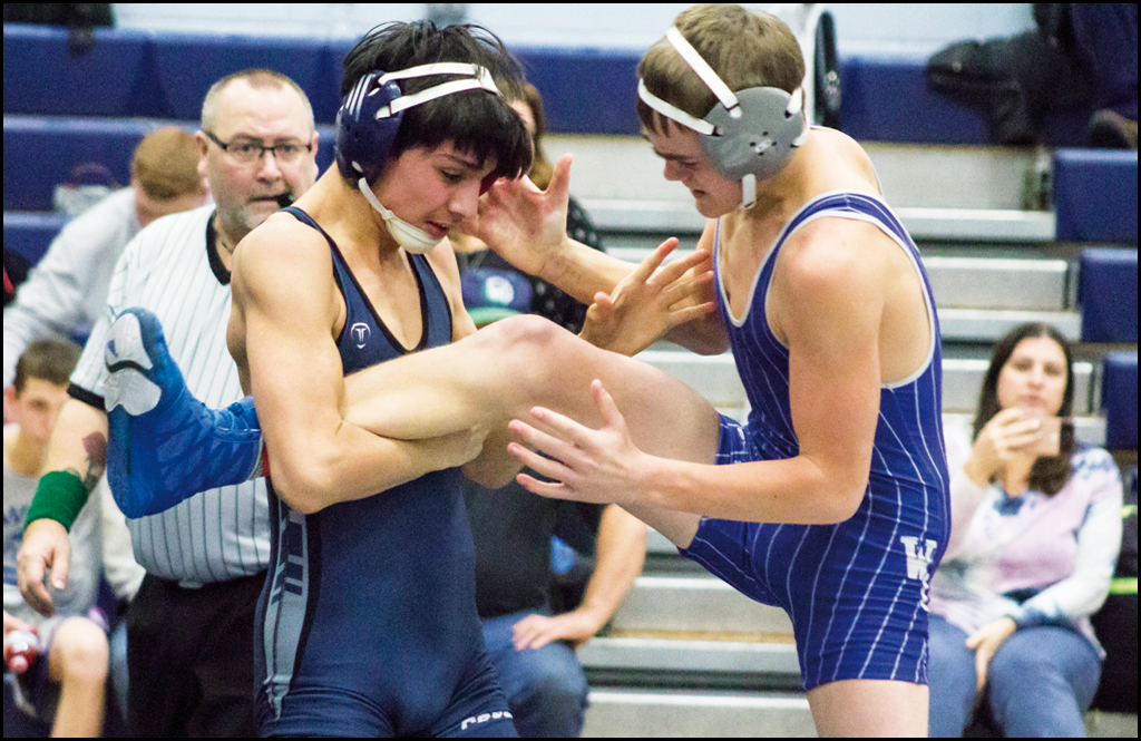 WRESTLING: Chewelah wins 19 matches at divisional tournament