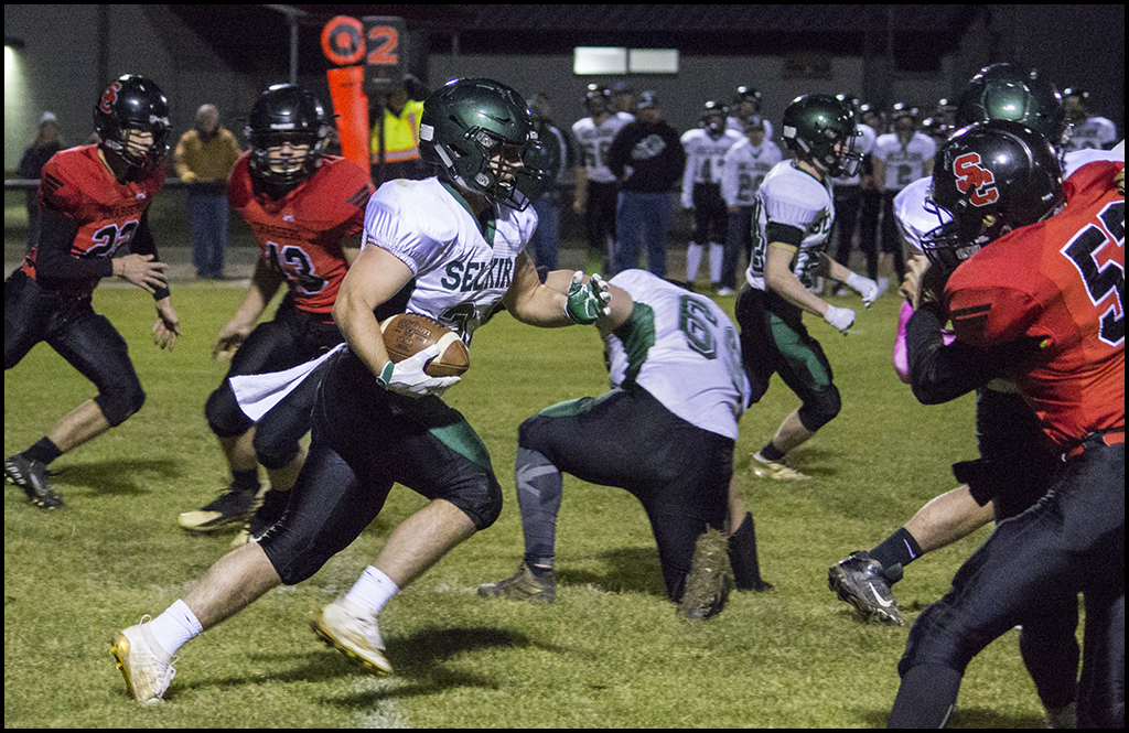 1B FOOTBALL: Selkirk improves to 5-1 on year