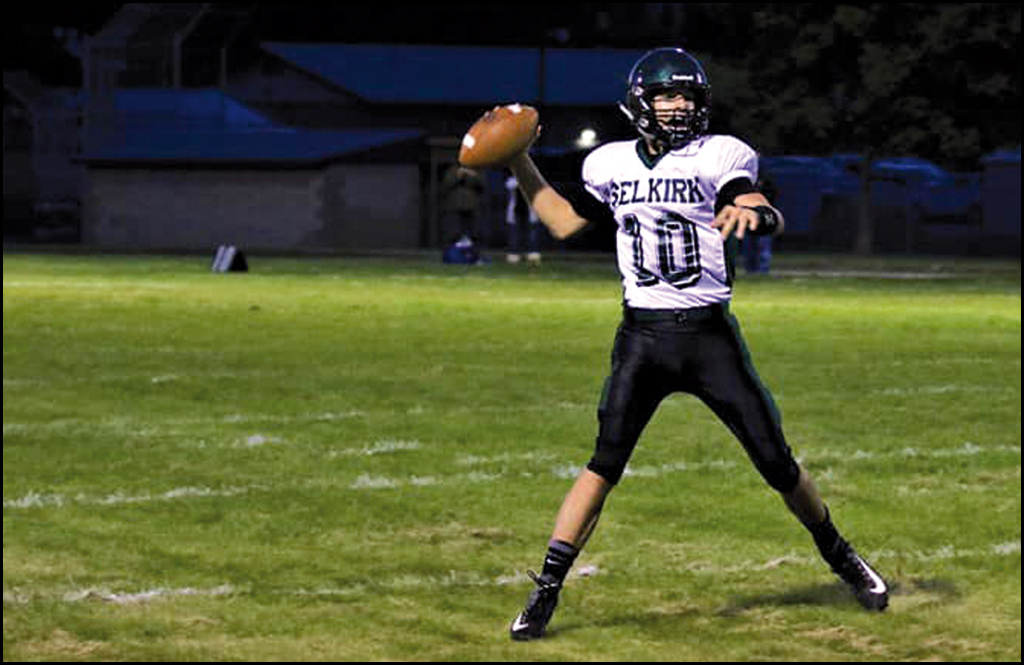 SELKIRK FOOBTALL: Link throws seven touchdown passes