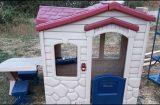 "Stevens County woman sells husband's ""tiny house"""