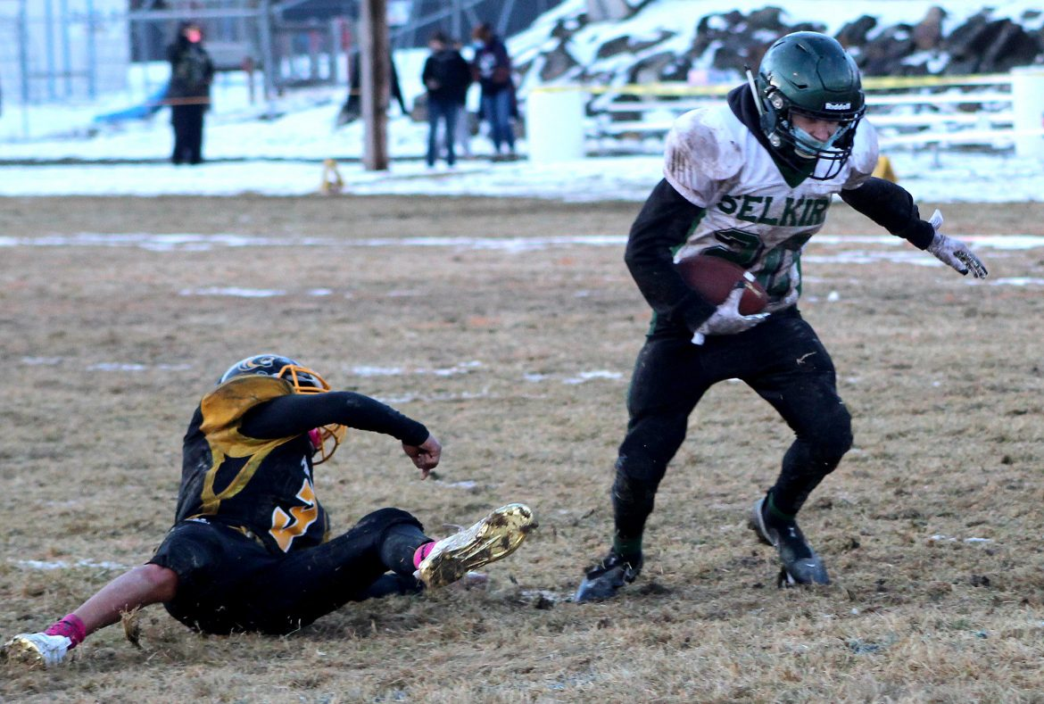 1B FOOTBALL: Link scores four touchdowns in Selkirk's win over rival Cusick